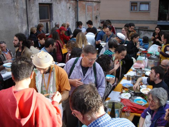 Festival Internazionale della Zuppa di Roma: un campo di volontariato in Italia