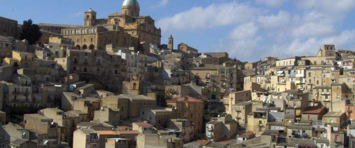 Promuovere attività coi bambini a Mirabella: un campo in Sicilia