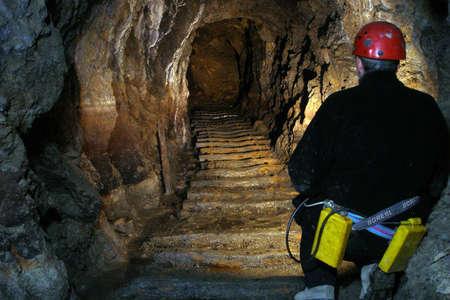 Restaurare le antiche miniere d'argento: un campo in Francia