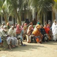 Praticare l'inclusione sociale attraverso la fisioterapia: un campo in Bangladesh