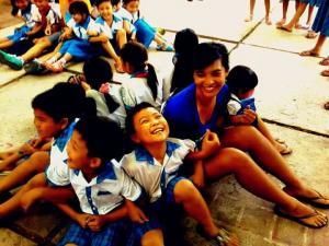 Un campo in Vietnam per insegnare le lingue straniere