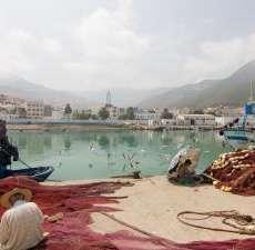 Rinnovare un centro di aggregazione giovanile: campo in Marocco