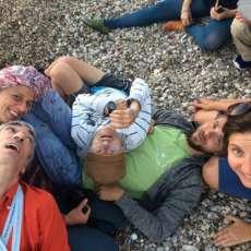 Sperimentare modelli di vita comunitaria: un campo in Grecia
