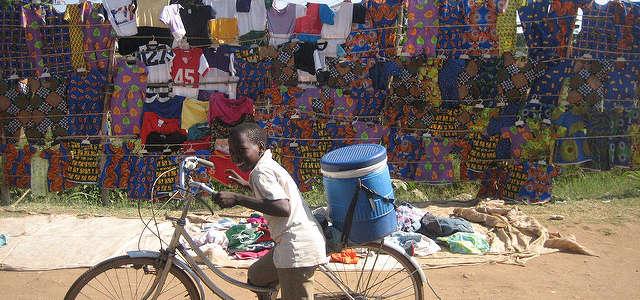 Giocare, imparare e crescere: un campo in Tanzania