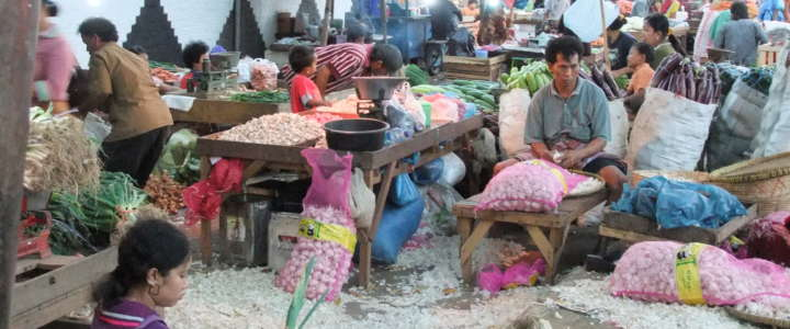 Arte e musica per i bambini della strada: un campo in Indonesia