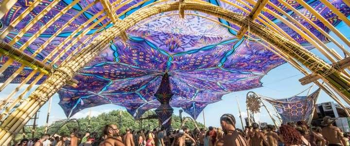 Supportare un festival di cultura psy-trance: un campo in Umbria