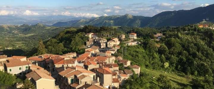 Coordinare un campo di volontariato per riscoprire antichi sapori e tradizioni: un progetto a Castelgrande