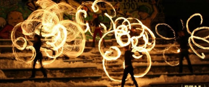 Supportare un festival dedicato all'arte del fuoco: un campo in Estonia