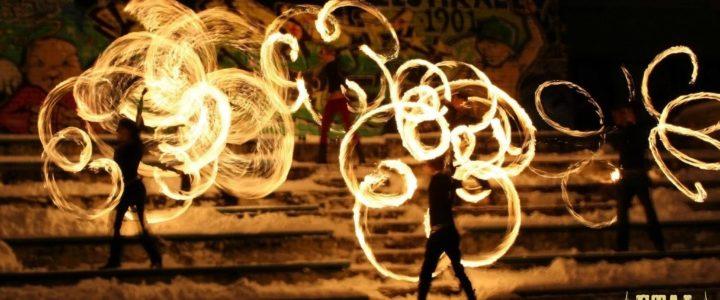 Supportare un festival dedicato all'arte del fuoco: un campo in Estonia