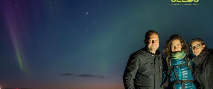 In cerca dell'aurora boreale a colpi di scatto: un campo in Islanda