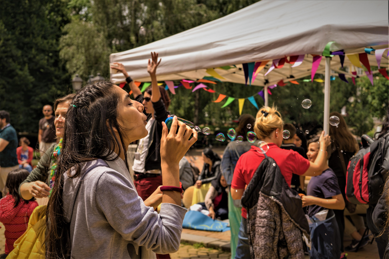 Campo per il Liguria Pride: un approfondimento sull'uguaglianza di genere e la sessualità