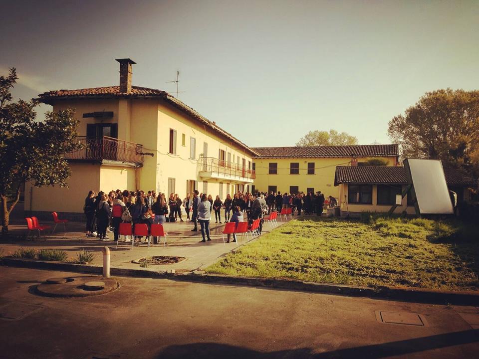 Un campo per sistemare i sentieri che portano a Casa Chiaravalle
