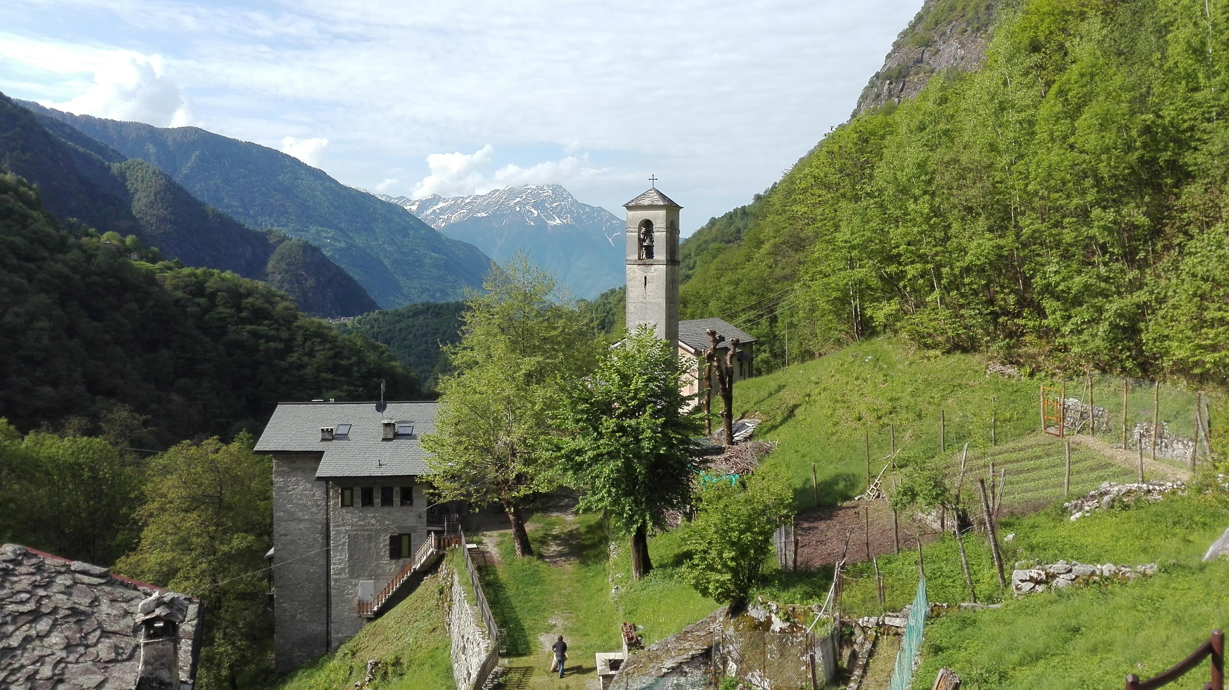 Mini-campo in Val Codera: un weekend di volontariato immersi nella natura