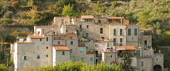 Sci-Italia cerca un coordinatore/trice per un campo all'Eco-villaggio di Torri Superiore