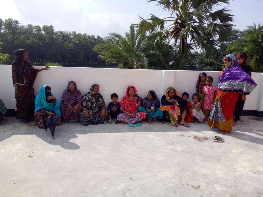 Un campo in Bangladesh: fisioterapia per persone con disabilità