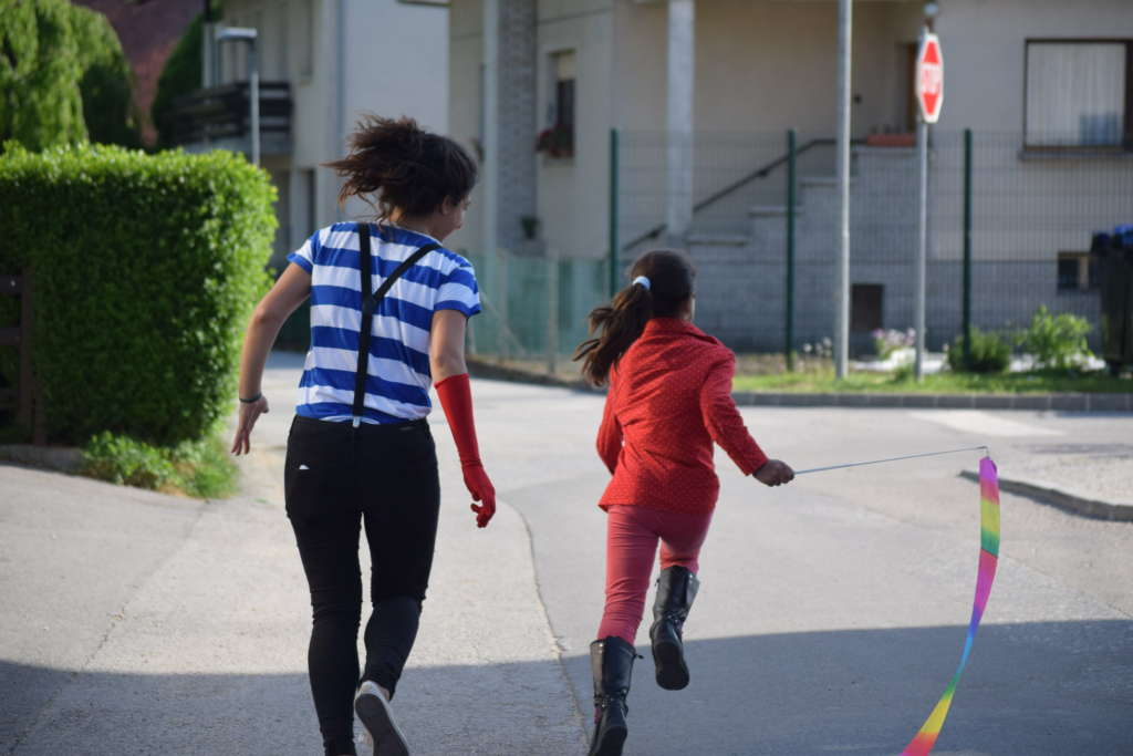 Un campo a Lucerna: una settimana di attività teatrali insieme ai/lle bambini/e della città